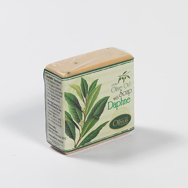 奧莉芙的抗菌月桂葉橄欖皂含有豐富維生素和天然月桂草,適合敏感肌膚使用。月桂葉的抗腐特性能防止濕疹和黴菌的形成,能有效的消除粉刺和恢復皮膚的彈性,可用於頭髮、臉部和全身肌膚。