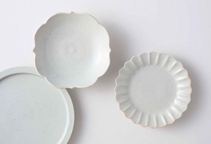 日本 KIHARA 古白磁 菊型小皿