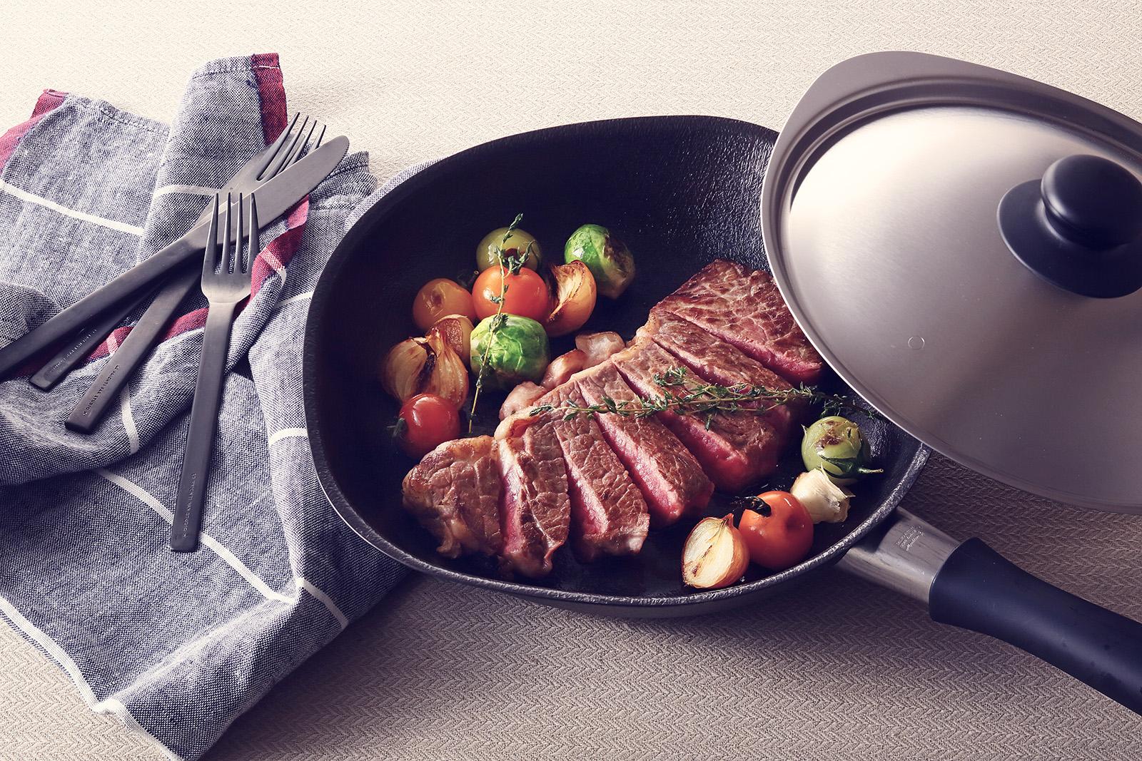 日本 柳宗理 雙網紋單手鐵鍋 附不鏽鋼蓋