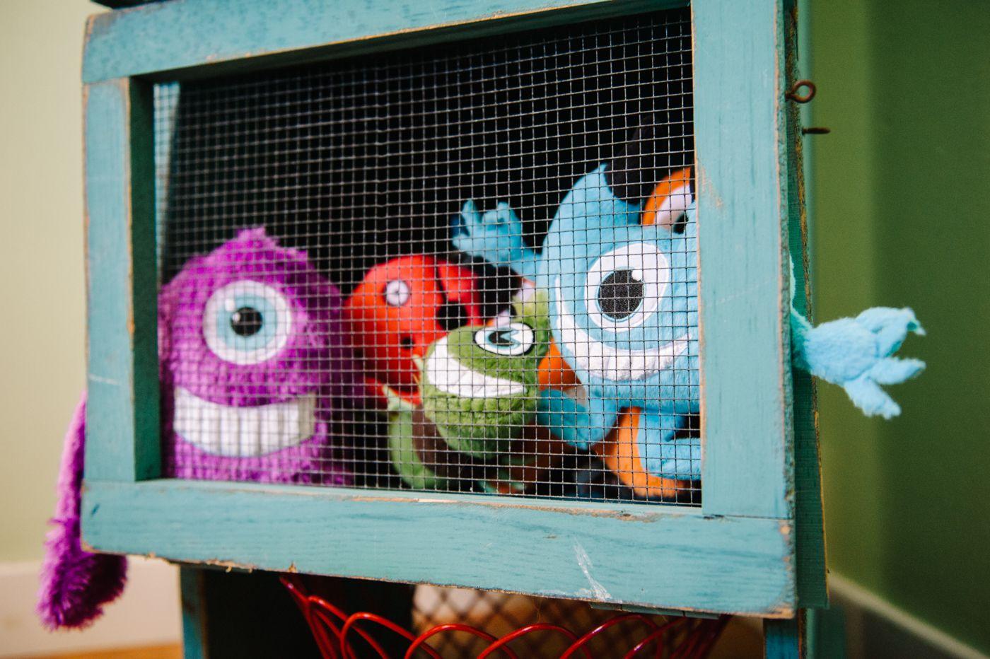 美國 P.L.A.Y. 玩具系列 外星怪獸 偷窺藍