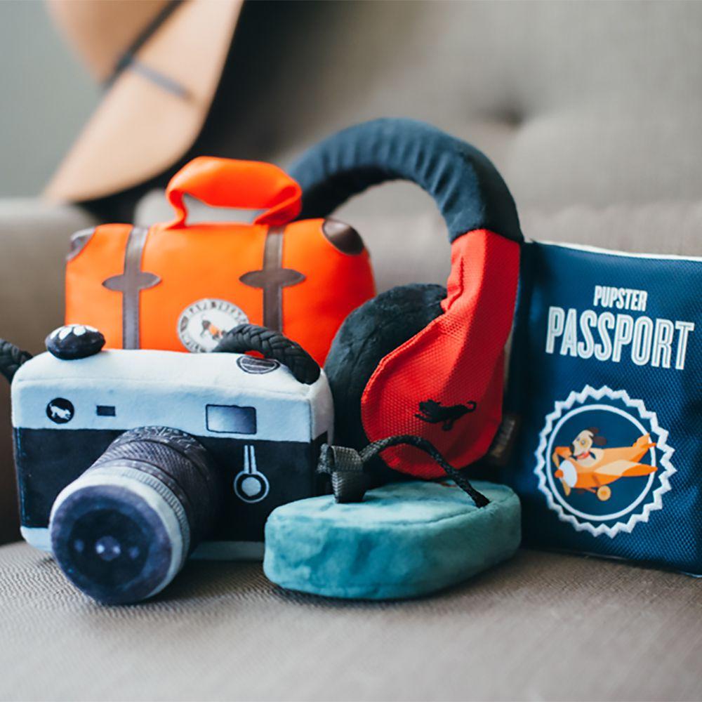 美國 P.L.A.Y. 玩具系列 冒險旅行者 小狗護照