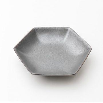 kihara_黑砂釉六角小皿-3