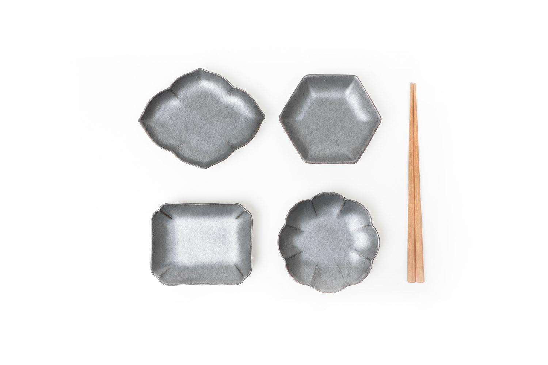 日本 KIHARA  黒砂釉 菊割小皿