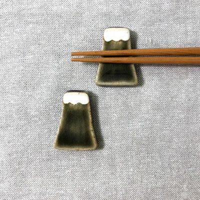 日本 美濃燒 手作富士山筷架 -墨綠