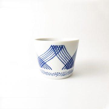 750_日本美濃燒湛藍格紋豬口杯01
