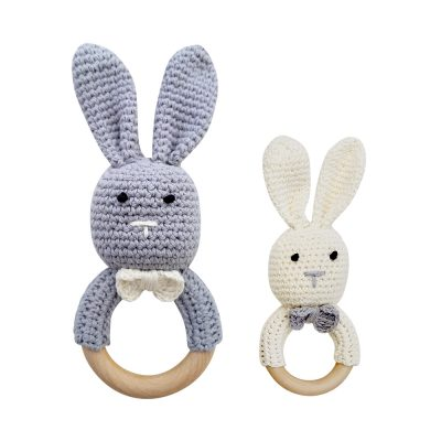 美國 Mali Wear 天然原木手工嬰幼兒兔兔造型手搖鈴固齒玩具 (灰把拔+小白兔)
