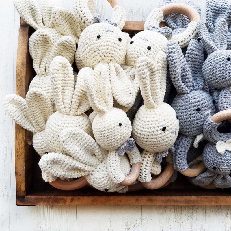 美國 Mali Wear 天然原木手工嬰幼兒兔兔造型手搖鈴固齒玩具 小兔兔(灰)