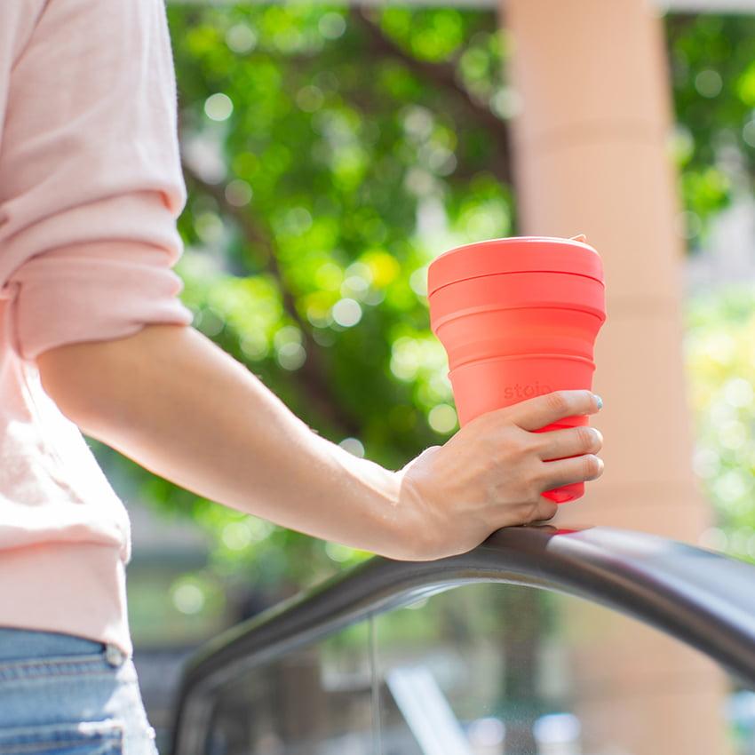 美國 Stojo 折疊伸縮杯 24oz 珊瑚紅 (紐約限定版) 泰坦杯