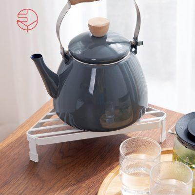 SHIMOYAMA_多功能鍋壺爐邊轉角:桌角金屬隔熱置物架-1