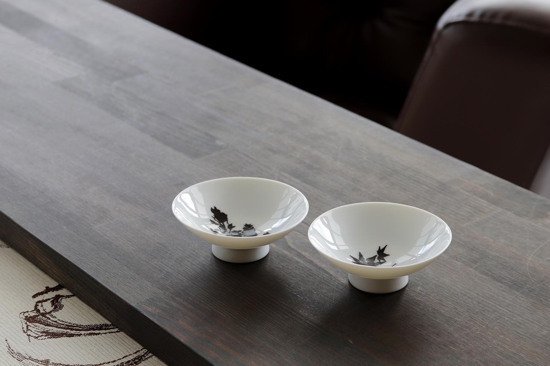 日本 高木陶器 櫻.紅葉 溫感白平盃 (一組兩入)
