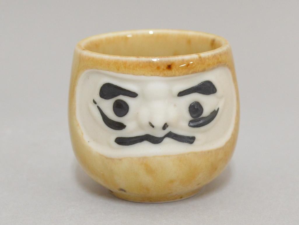 日本 美濃燒 達摩酒杯套組 (杯+盤)